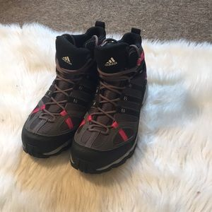 NWOB Adidas Gore Tex Hiking Boots Size 10.5